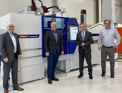 Wittmann Battenfeld, Schwarz Plastic Solutions und Precupa Präzisionsformenbau kooperieren im Bereich reaktiver Kunststoffe