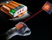Workaround, Albis Plactic und BASF optimieren smarten Handschuh mit Ultramid Vision