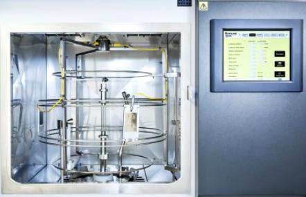 Laborbewitterung von Kunststoffbauteilen im Fraunhofer LBF